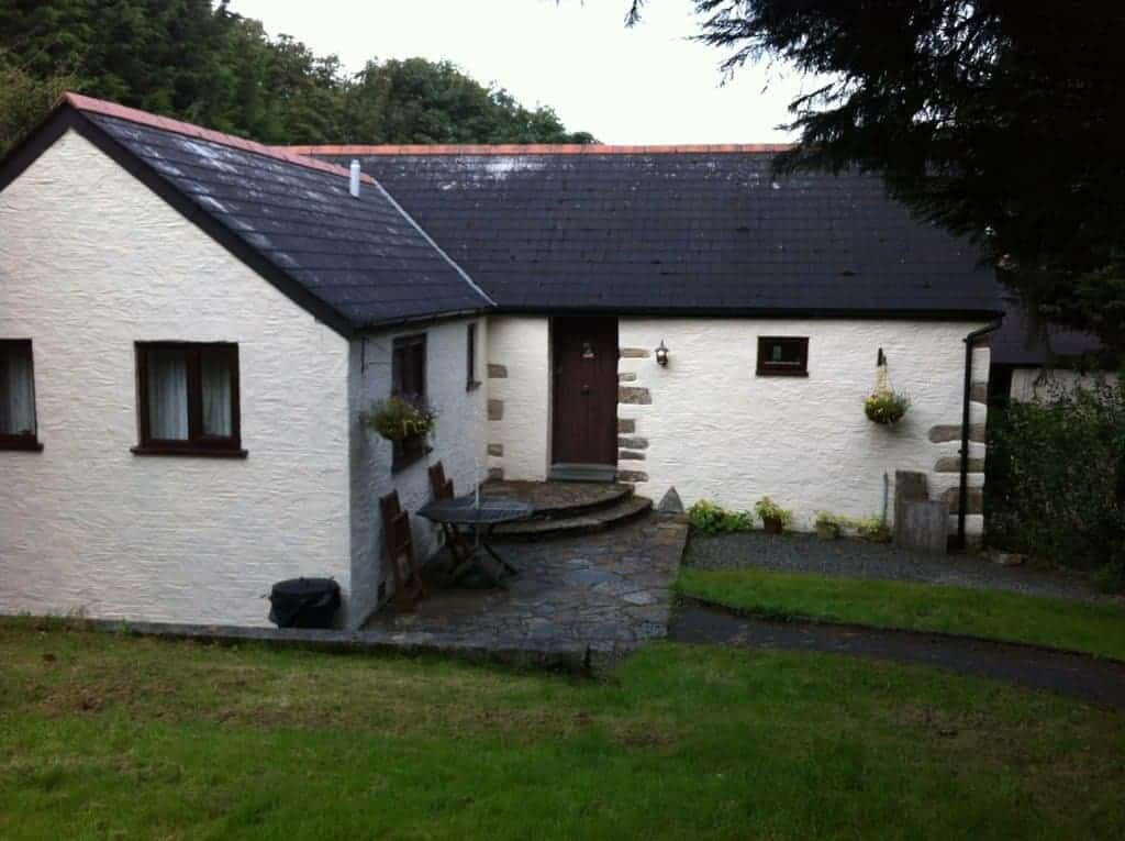 Review: Holiday Cottage From Hell! Woodview Cottages - Mowhay Cottage, Pensilva, Cornwall