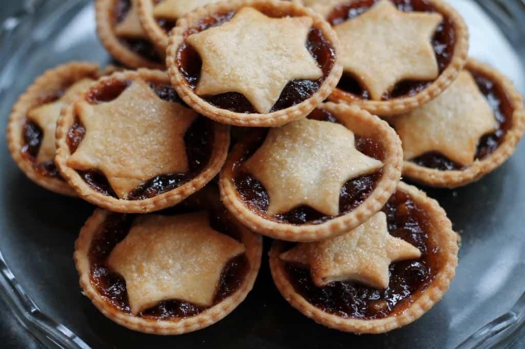 Mini Mince Pies Recipe – Family Favourite | AD