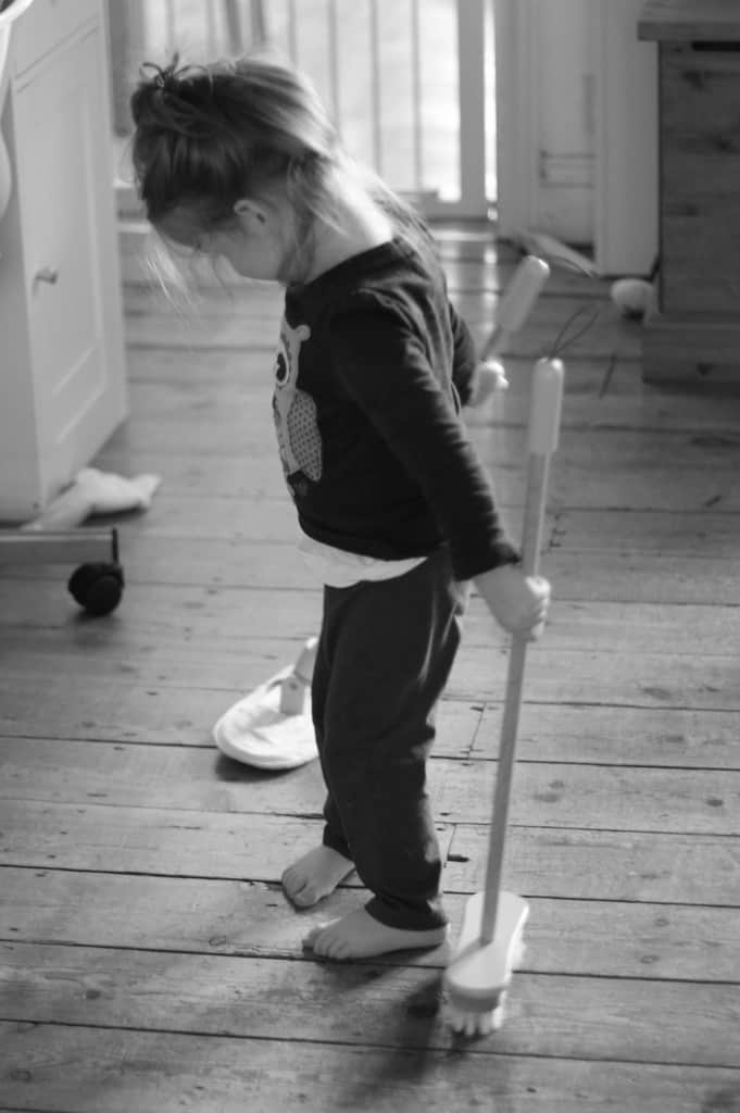Sweeping – The Ordinary Moments