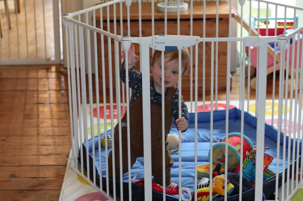 Review: Lindam Safe and Secure Playpen