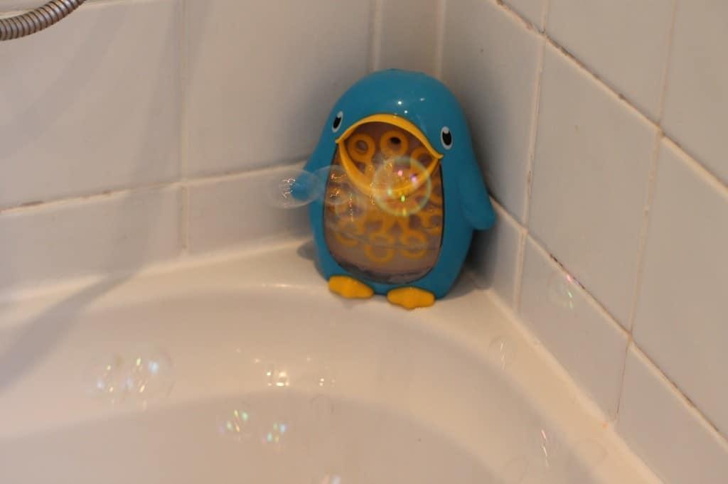 Review: Munchkin Bath Fun Bubble Blower