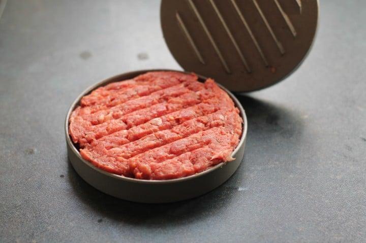 Review: KitchenCraft Home Made Quarter Pounder Burger Press (and Recipe!)