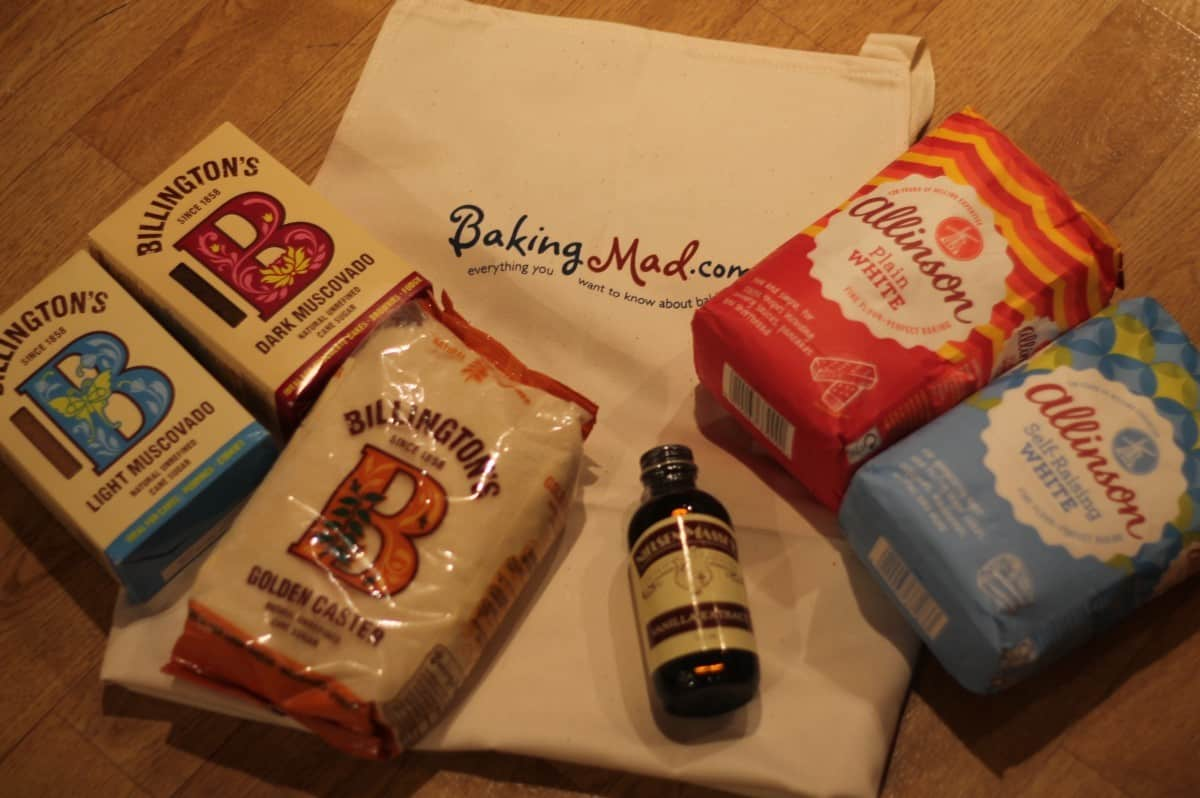 Baking with the help Baking Mad and Sponge Topped Mince Pie Recipe!