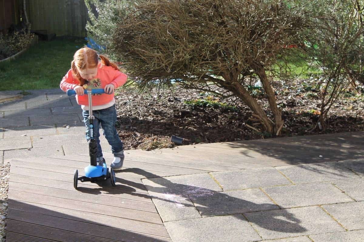 Scooting {The Ordinary Moments}
