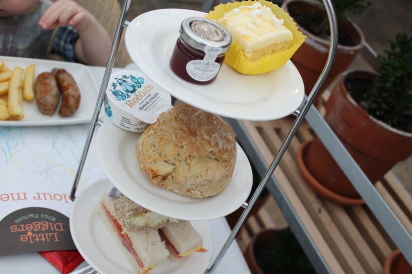 Review: Afternoon Tea with the Easter Bunny at Wyevale Garden Centres