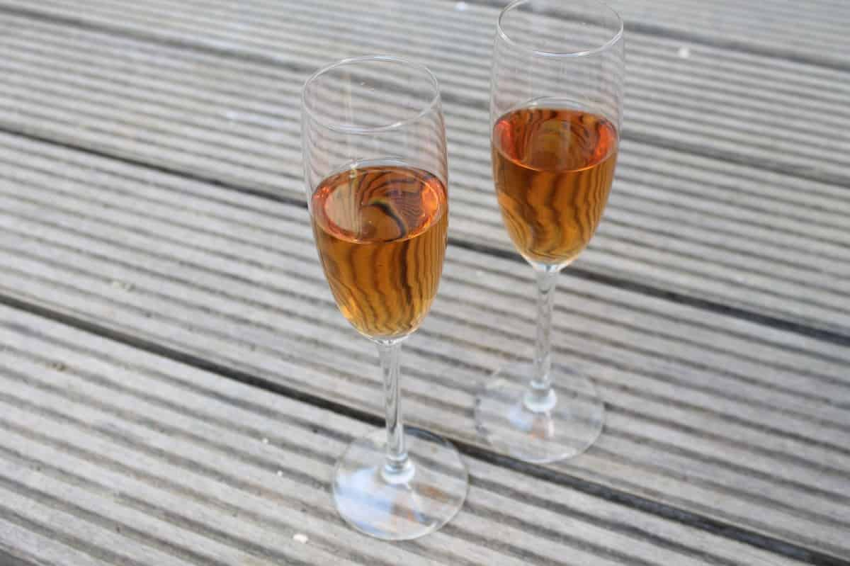 Making Cocktails with Appletiser