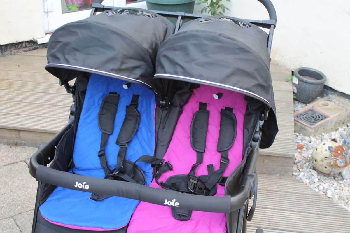 Critique de Joie Aire Twin Double Stroller