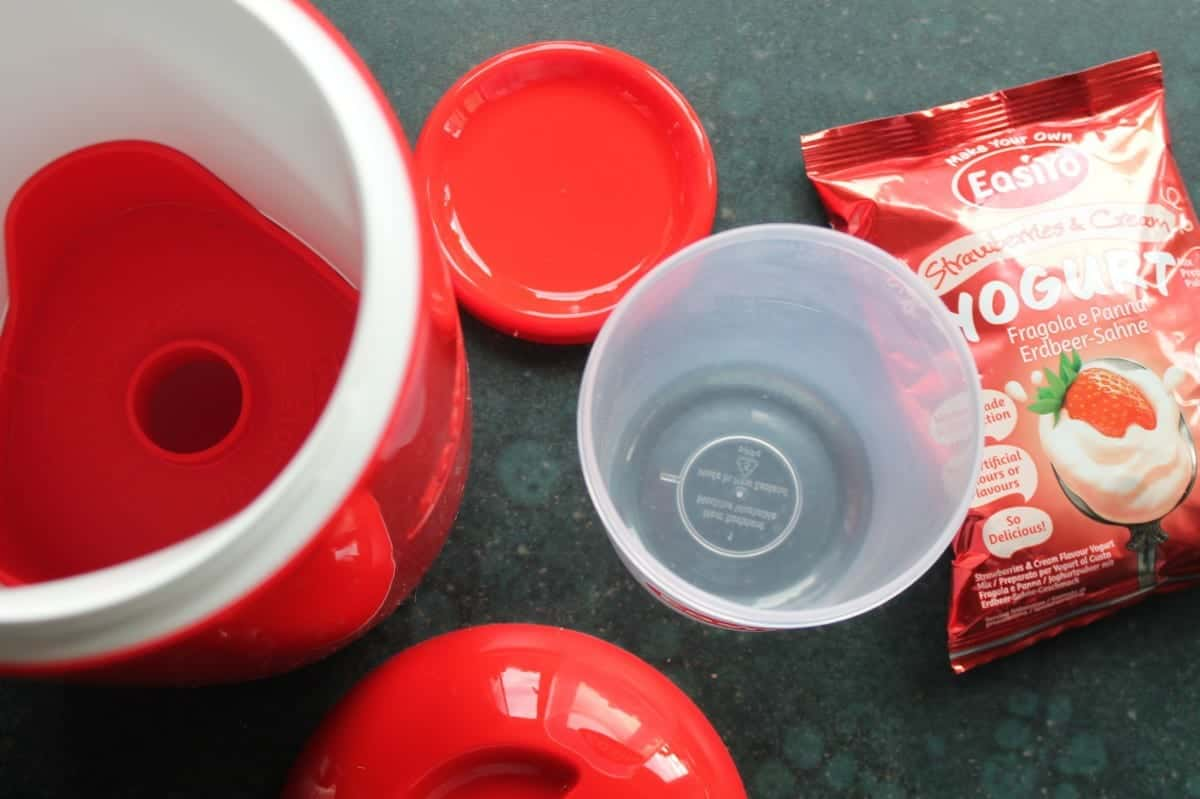 Review: EasiYo Yogurt Maker