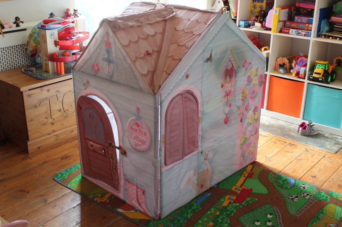 Review: DreamTown Rose Petal Cottage
