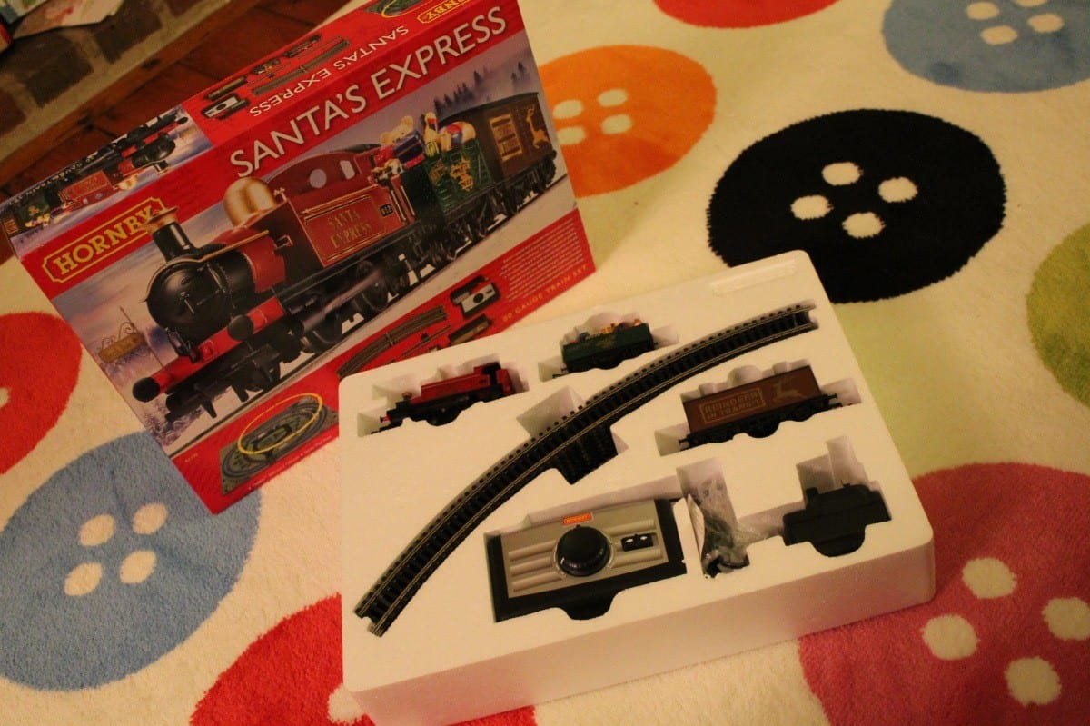 Review: Hornby Santa's Express Train Set