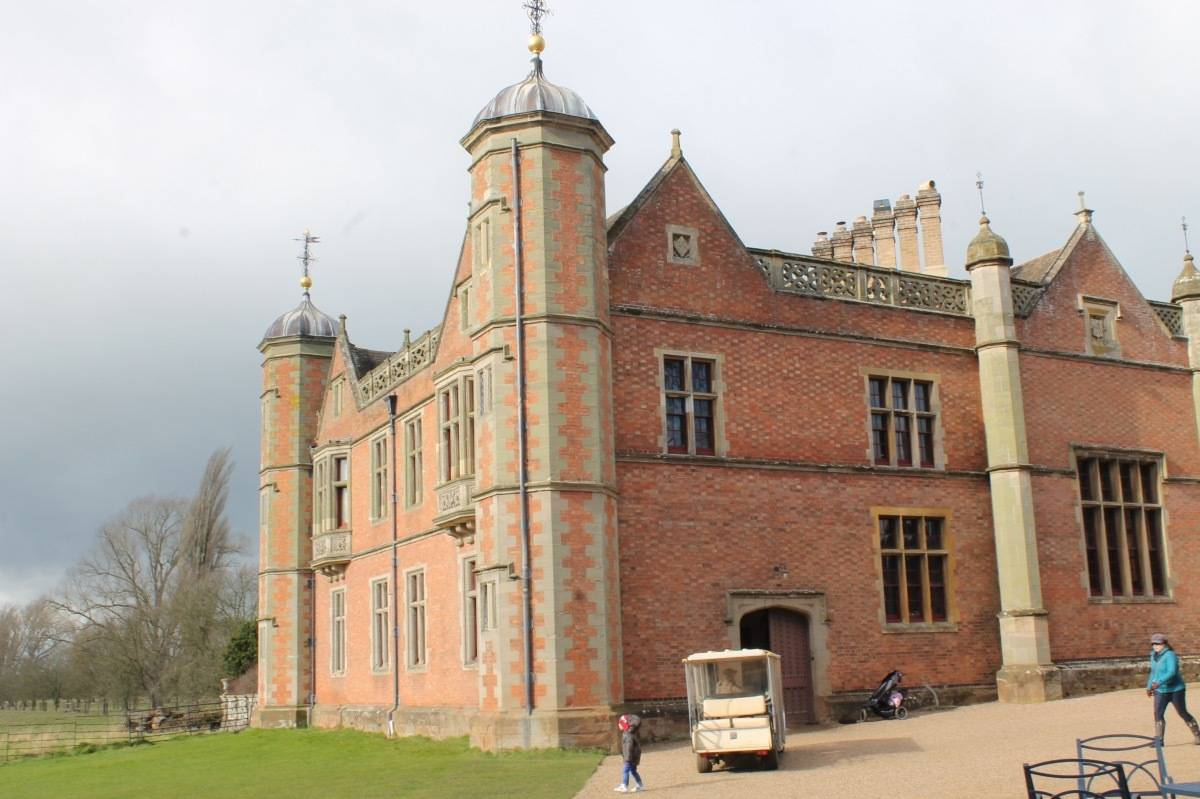 Review: Charlecote Park {National Trust}