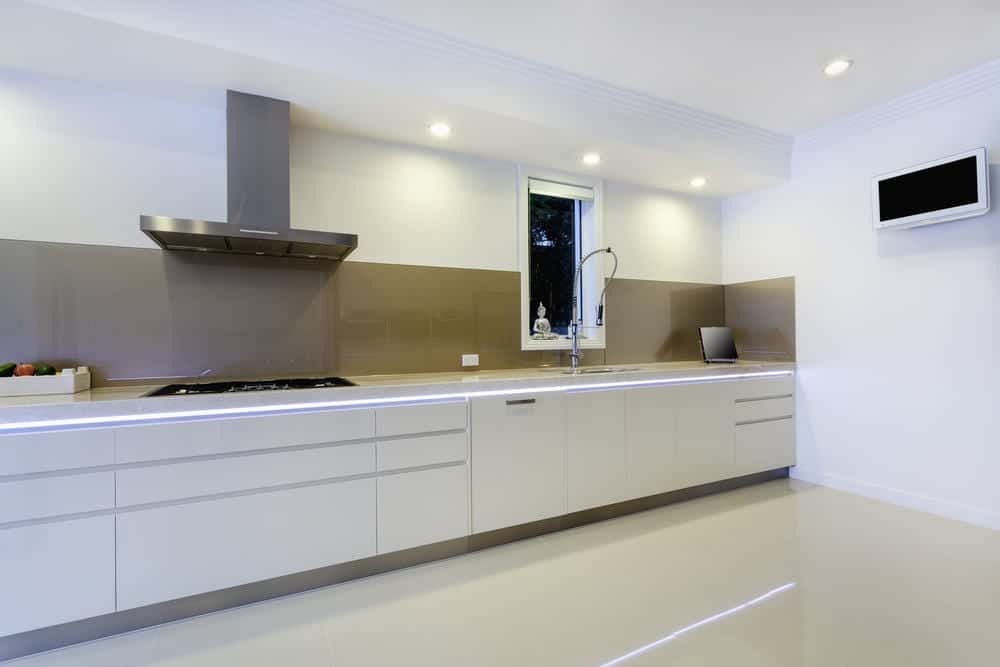 Luxurios kitchen with built in bench lights