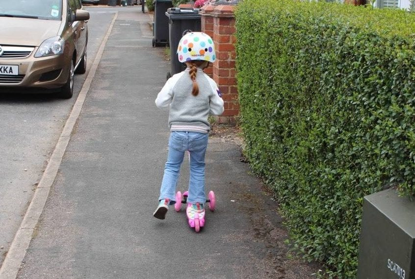Review: Kiddimoto U-Zoom Scooter and Helmet