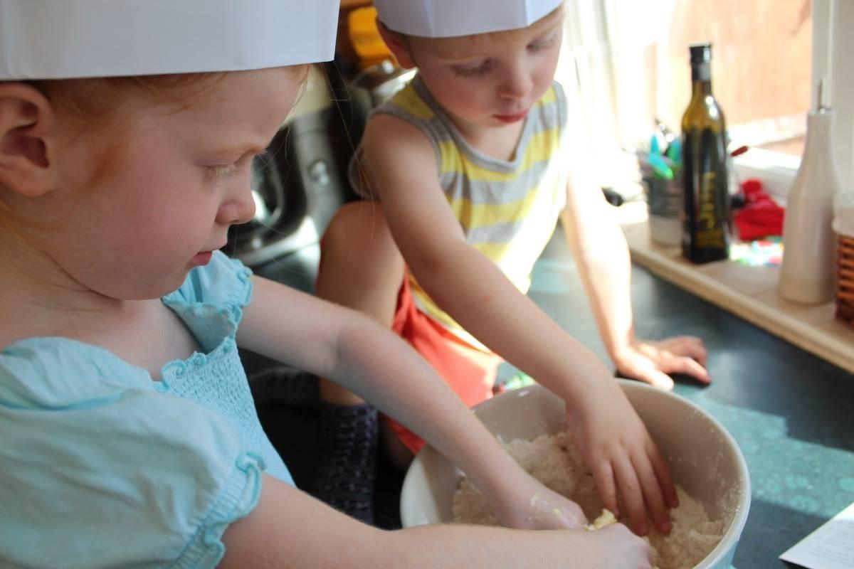 Review: Junior Bakes Box