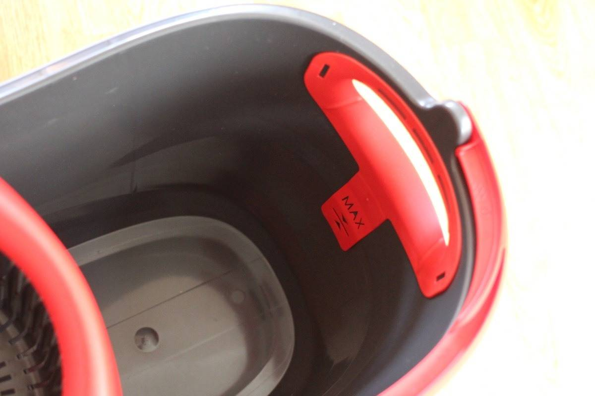Review: Vileda Easy Wring & Clean TURBO Mop Set