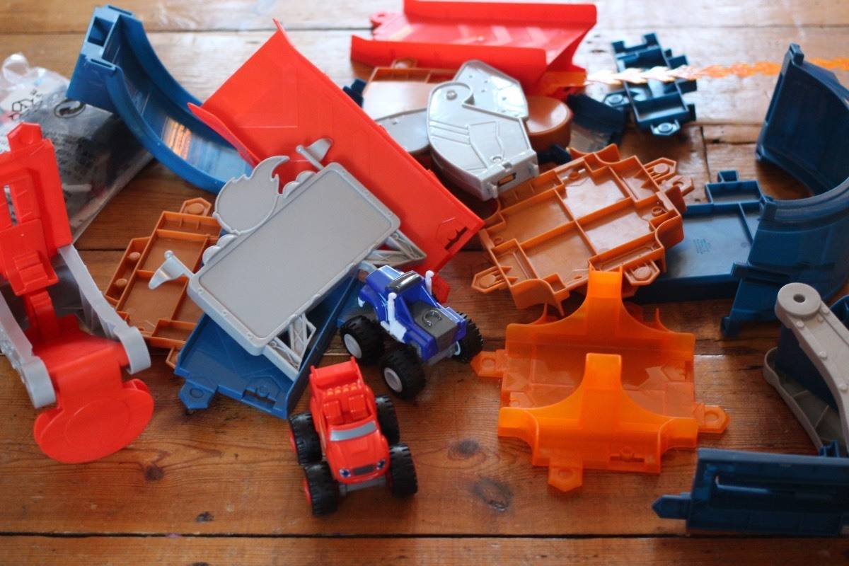 Review: Blaze and the Monster Machines: Monster Dome Playset