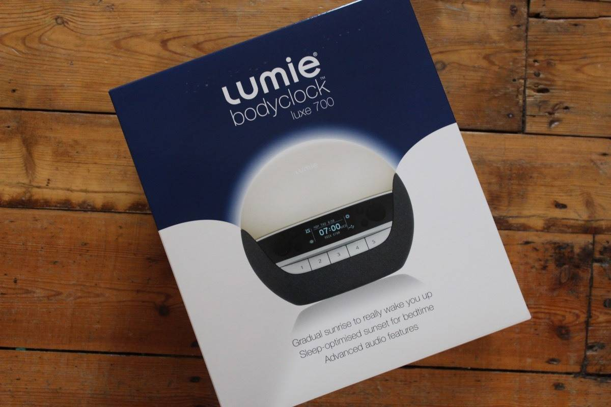 Lumie Bodyclock LUXE 700 Review and Giveaway!