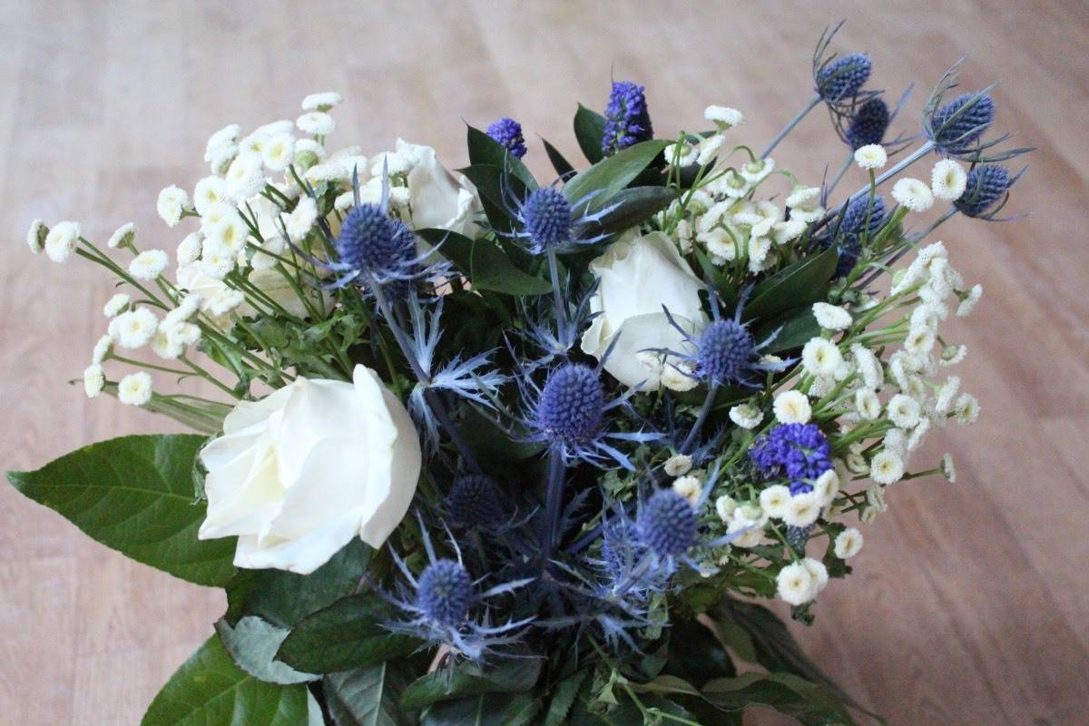 Vela Luxury Letterbox Flowers Review and Giveaway!
