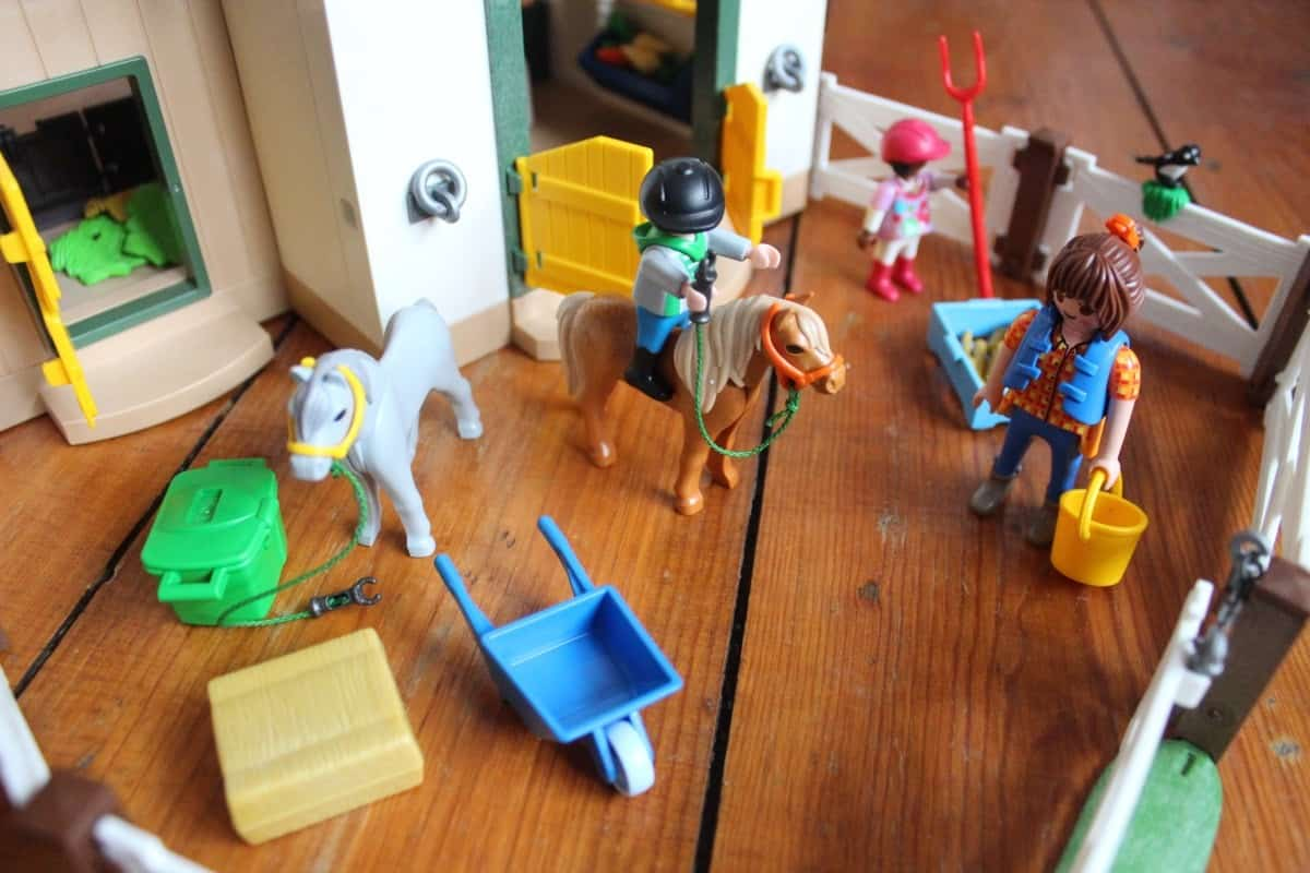 Review: Playmobil 6927 Country Pony Farm