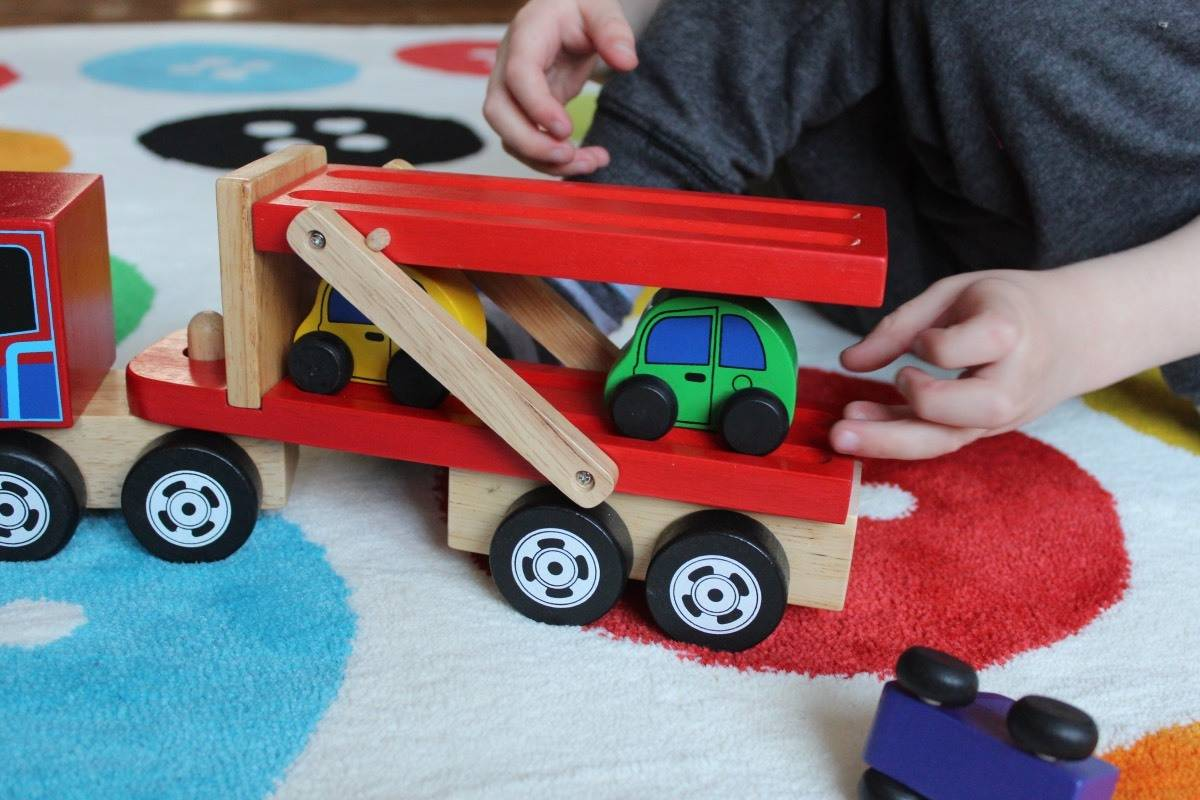 Review: Magic Fairy Wings Transporter Lorry