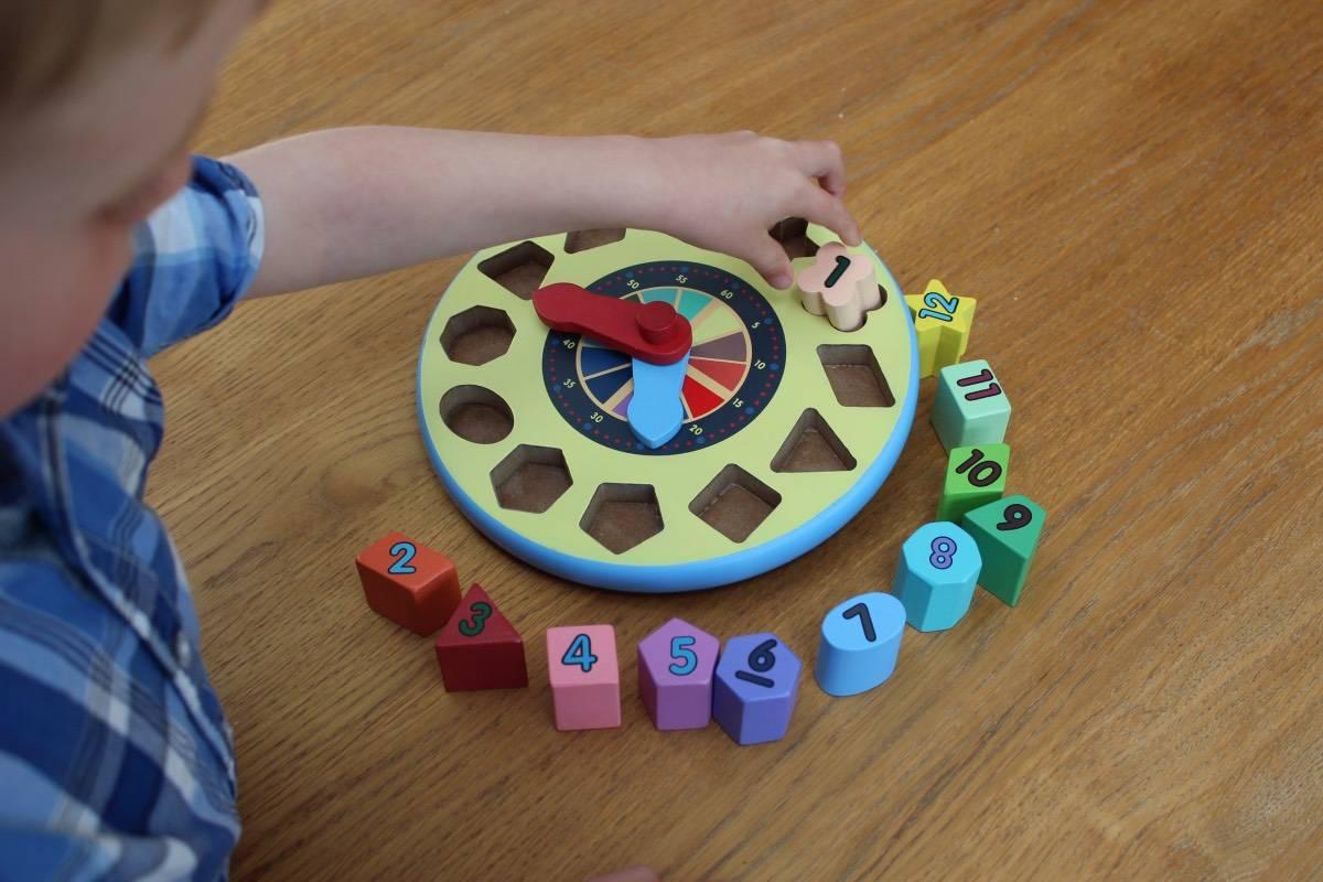 Review: Magic Fairy Wings Shape Sorting Clock