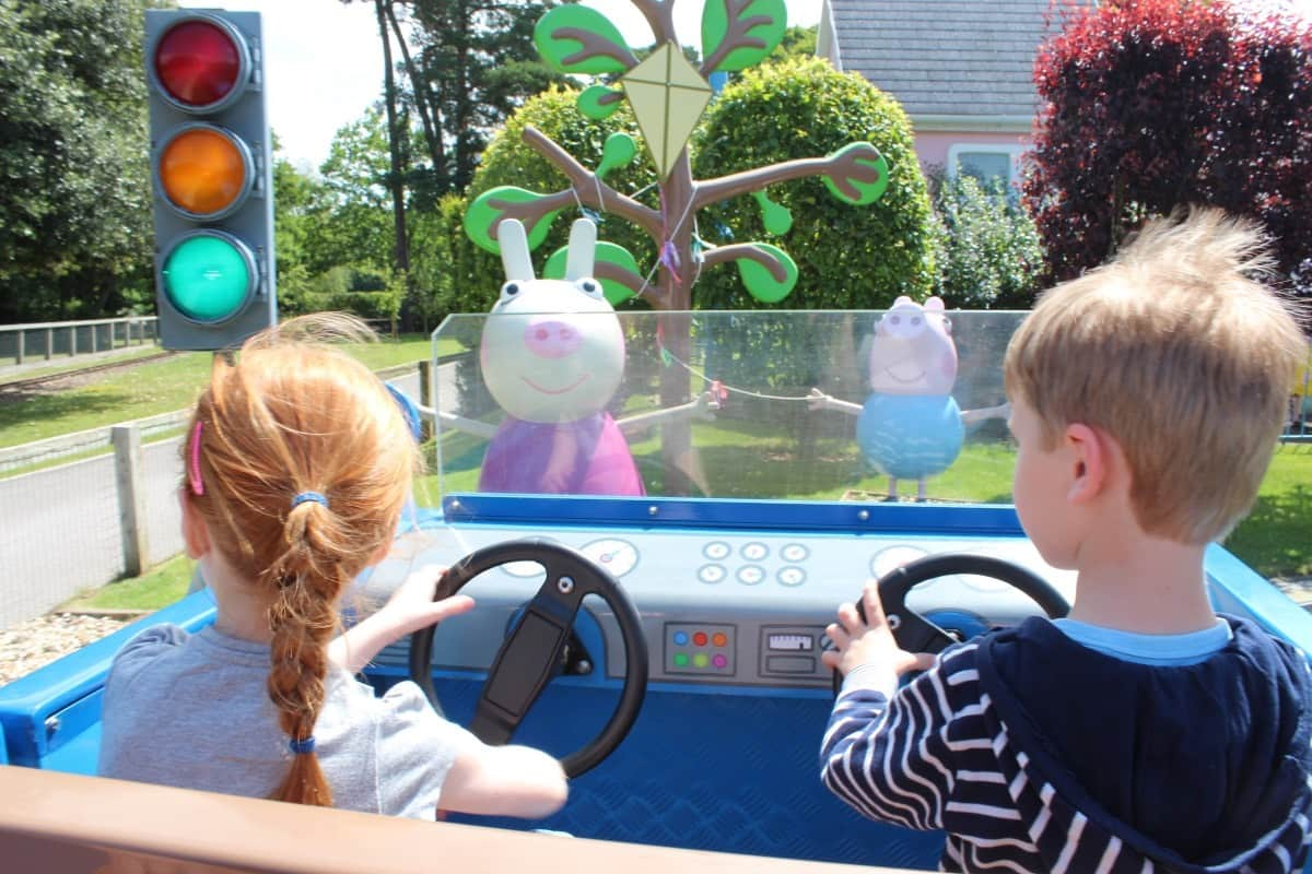 A Day at Paultons Park and Peppa Pig World