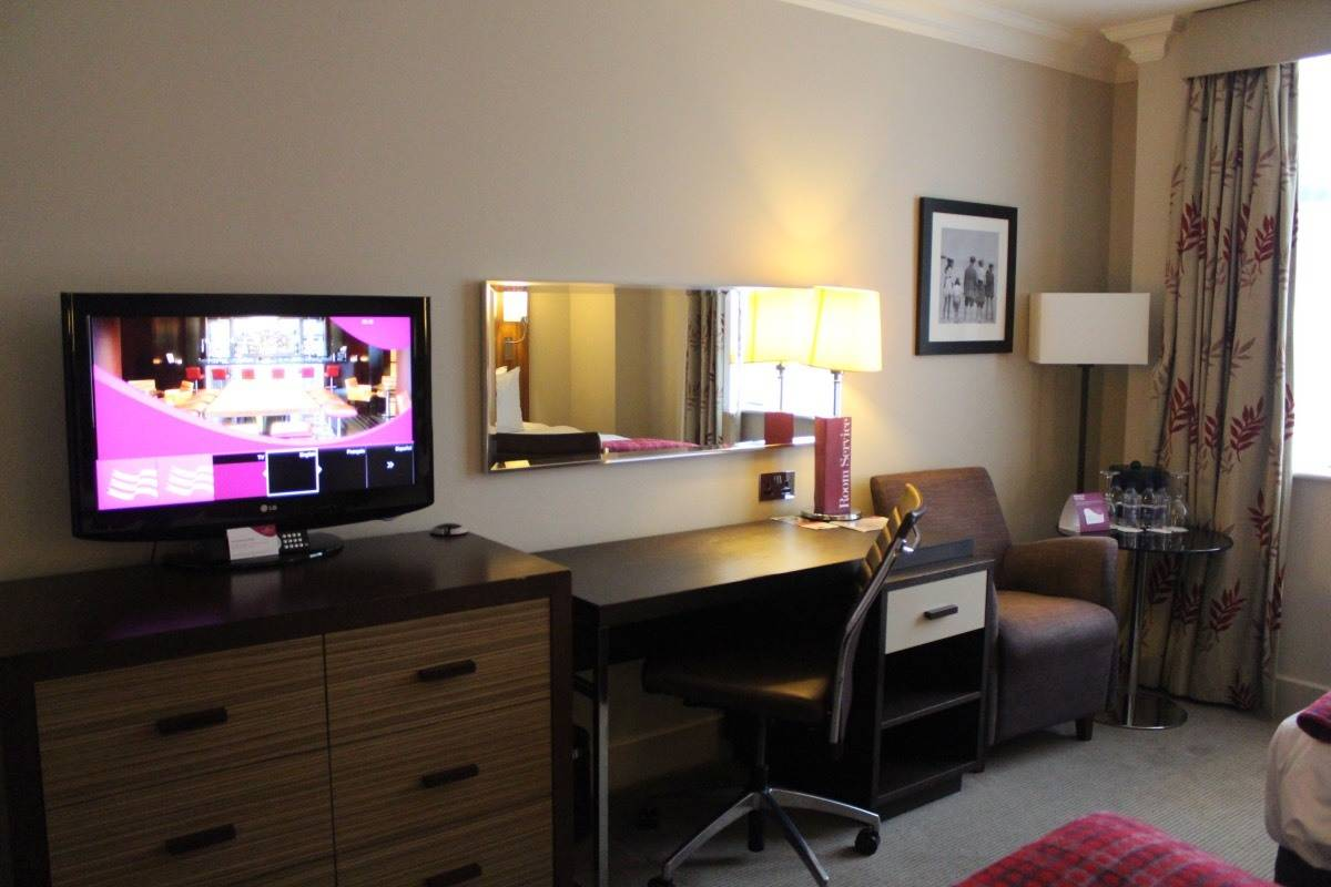 A Summer Getaway to Crowne Plaza Resort Colchester Five Lakes
