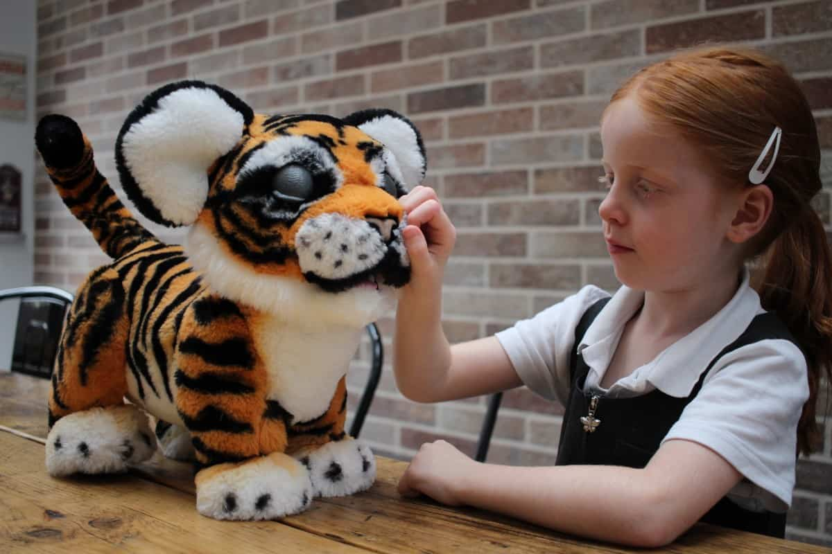 Review: FurReal Roarin' Tyler, the Playful Tiger