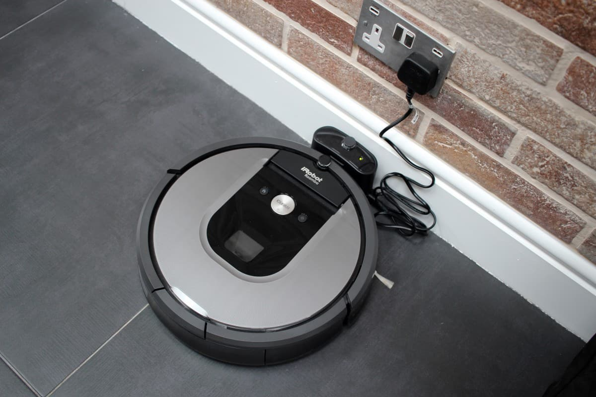 מעולה iRobot Roomba 960 Review - What the Redhead said QD-09
