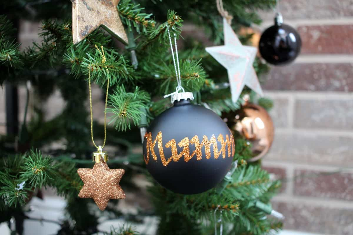 Review: The Christmas Cart Personalised Baubles