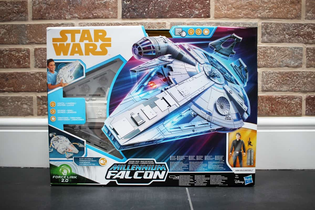 Review: Star Wars Force Link 2.0 Kessel Run Millennium Falcon with Han Solo Figure