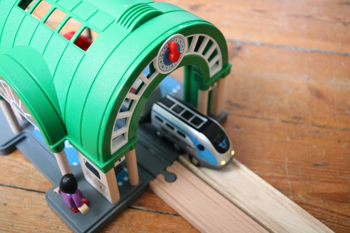 Review: Brio World Central Train Station