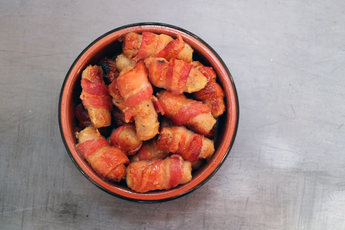Honey and Mustard Pigs in Blankets Recipe