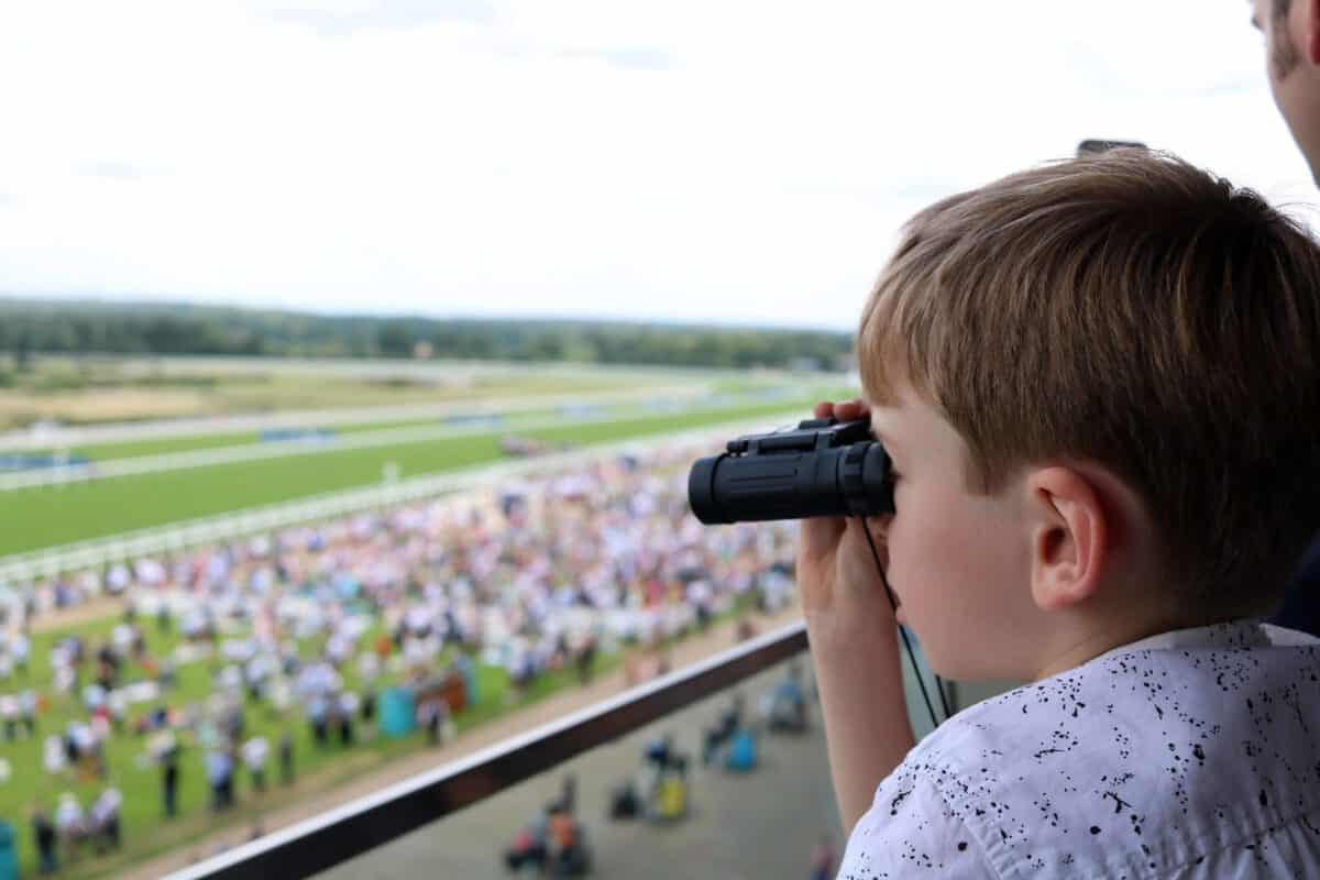 Our First Family Horse Racing Experience | AD