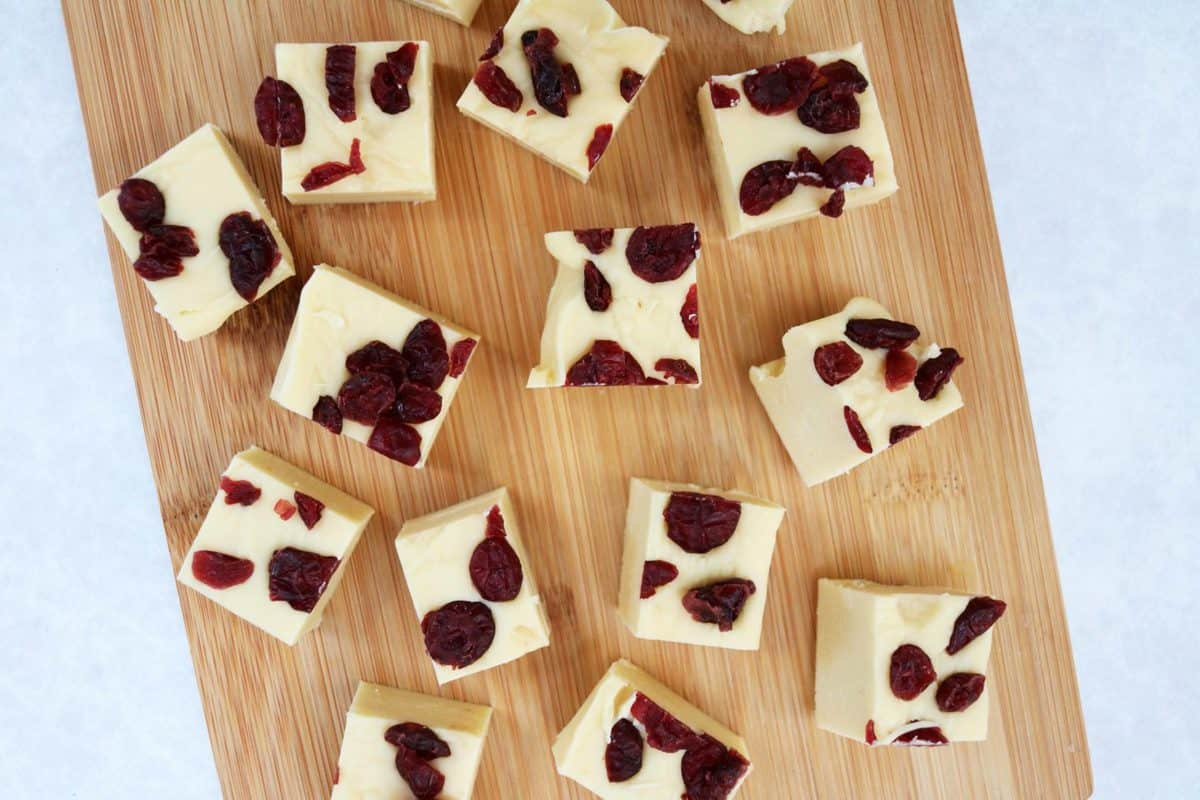 Slow Cooker White Chocolate Fudge Recipe - white chocolate and cranberry fudge