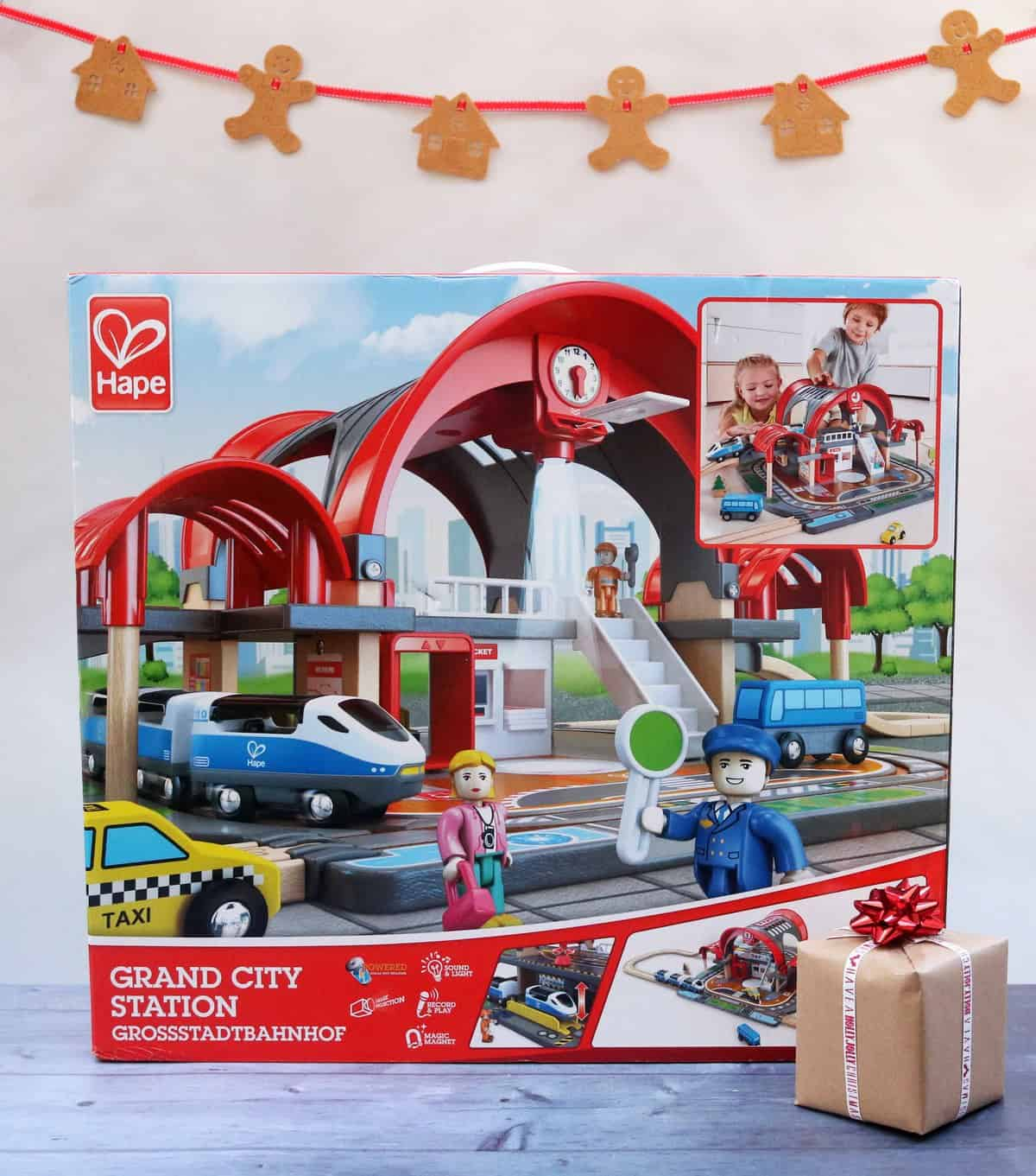Grand City Station train set from Hape