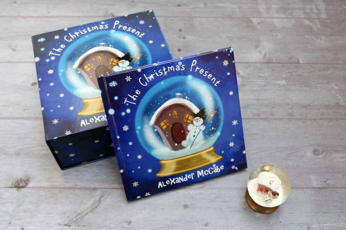 The Christmas Present - Alexander McCabe - Review and Giveaway! | AD