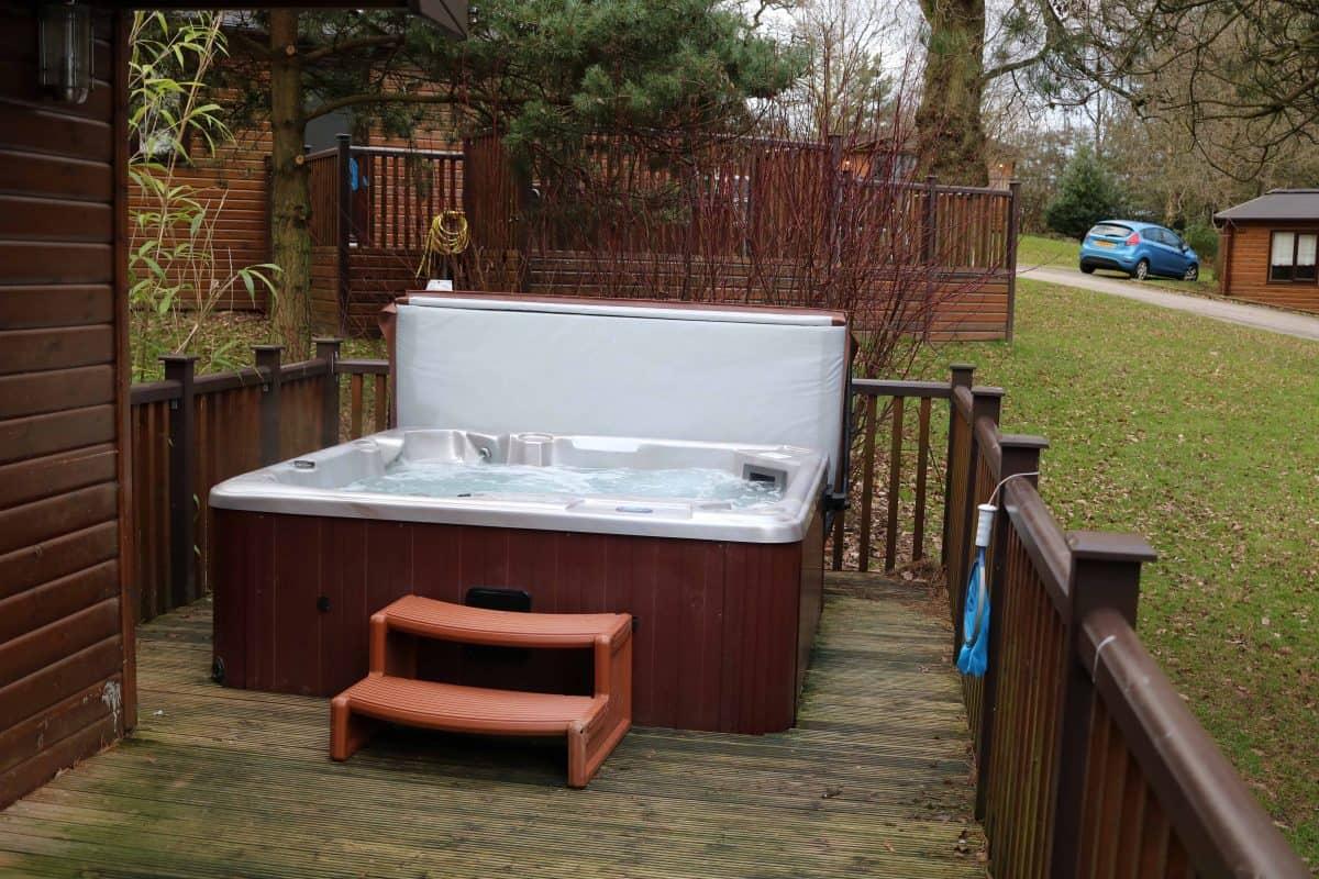 Landal Sandybrook Classic Vogue Spa Lodge Hot Tub